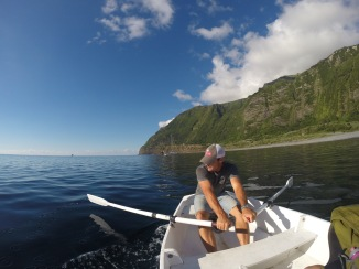 Rowing home, at anchor in Faja Grande