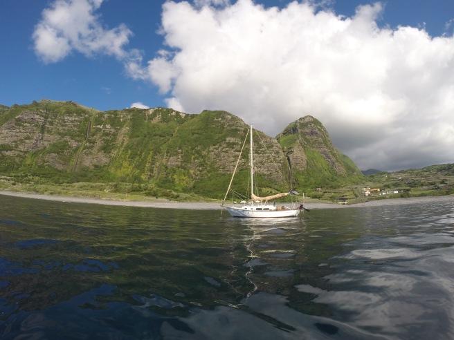 At anchor in Faja Grande